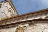 Le chevet - détails des colonnettes et modillons du chevet (4)