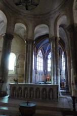 Le choeur - l'autel