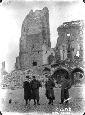 Arras détruite en 1915Arras en 1915