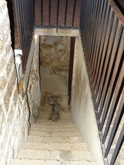 Crypte - escaliers (2)