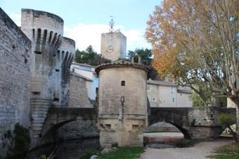 Porte Notre Dame- la chapelle Notre-Dame-des-Grâces au premier plan.