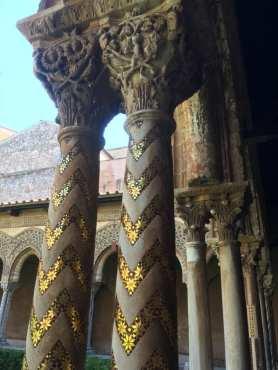 Colonnes et châpiteaux du cloître de Monreale
