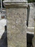 Stèles du site de Glanum (autels votifs dédiés à Hercule).