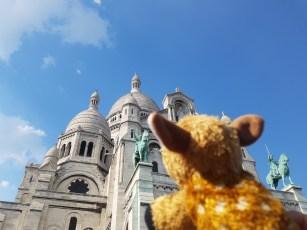 """Cutie at Sacré-Cœur """"Smelly at the entrance but it looks nice"""""""