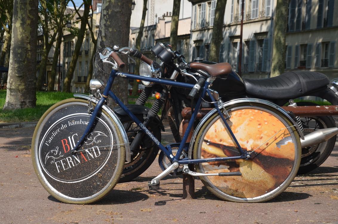 Versailles_vélo_pub