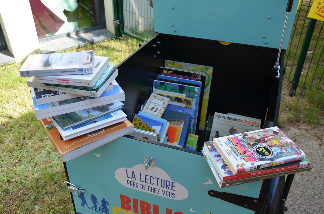 bibliocyclette_coffre_livres