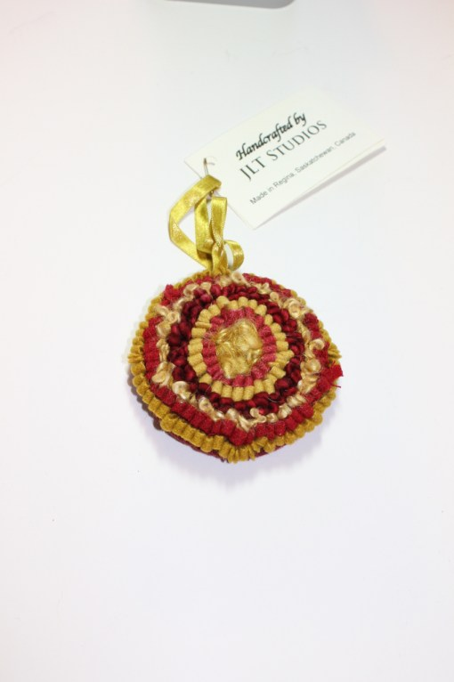 Christmas Circle Ornament #17