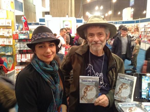 L'auteur Jean-Pierre Guillet avec Mehrafarin Keshavarz, l'illustratrice de la couverture de L'enfant des glaces (Salon du livre de Montréal 2015)