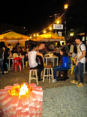 Acoustic jam at StrEat