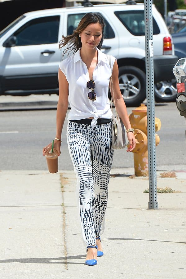 Kate Beckinsale Jeans And Pumps