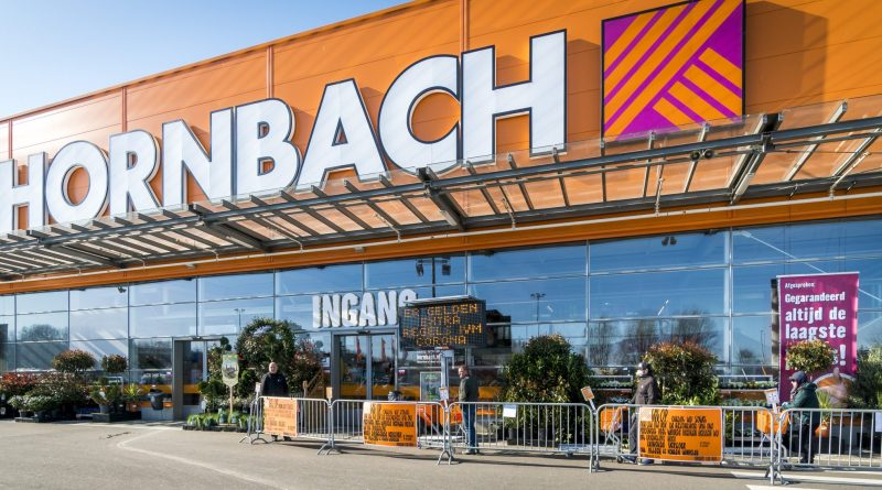 """Hornbach neemt maatregelen : """"aantal auto's op de parkeerplaats worden gereguleerd"""""""