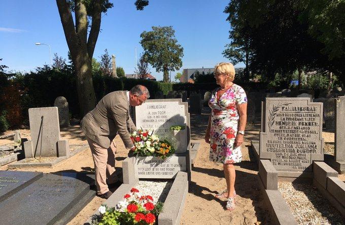 Burgemeester Han Weber betoond eer aan verzetsheld Arie den Toom