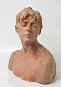 """""""Jeune Femme aux yeux clos"""", Camille Claudel, Collection des musées de Poitiers Photo © Musée de Poitiers Christian Vignaud"""