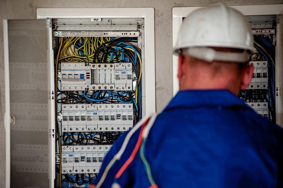 Quelles raisons de faire appel à un électricien à Vincennes?