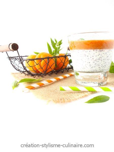 crème aux graines de chia et à l'abricot