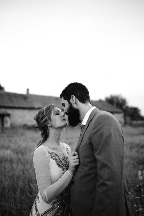 Jedanfrajeribidermajer_mladenci_poljubac