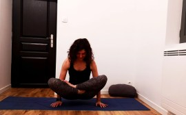 Commencer le yoga à la maison sereinement  8978237f7be