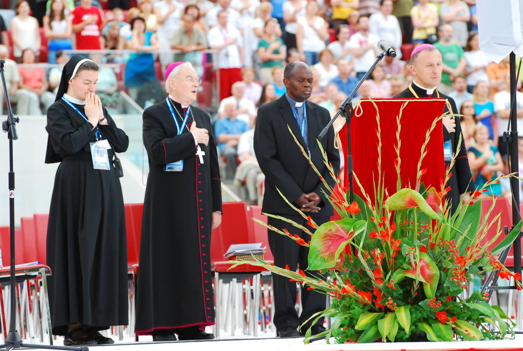 Wspólnota, Wspólnota Jednego Ducha, Jezus na stadionie, 2013.07.06