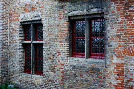 Brugia - okna