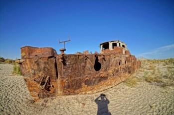 Morze Aralskie - jeden z wraków
