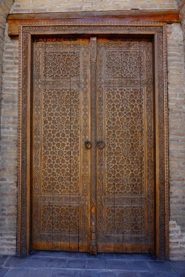 Buchara - zdobione drzwi