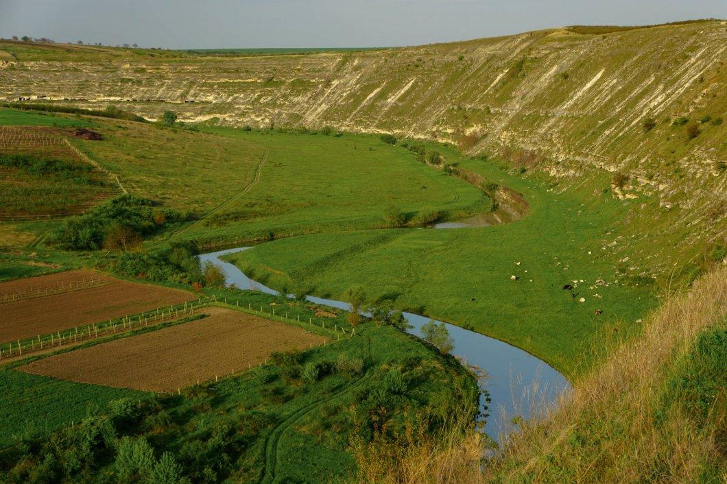 Stary Orgiejów - rzeka Raut