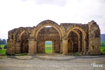 Cypr - Agios Sozomenos - ruiny kościoła