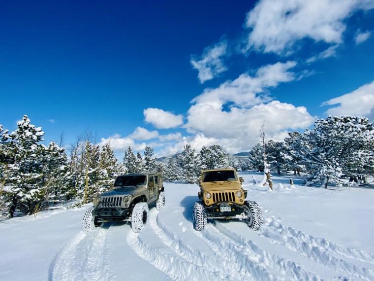 JeepToursColorado_NativeJeeps_Snow_Wheeling