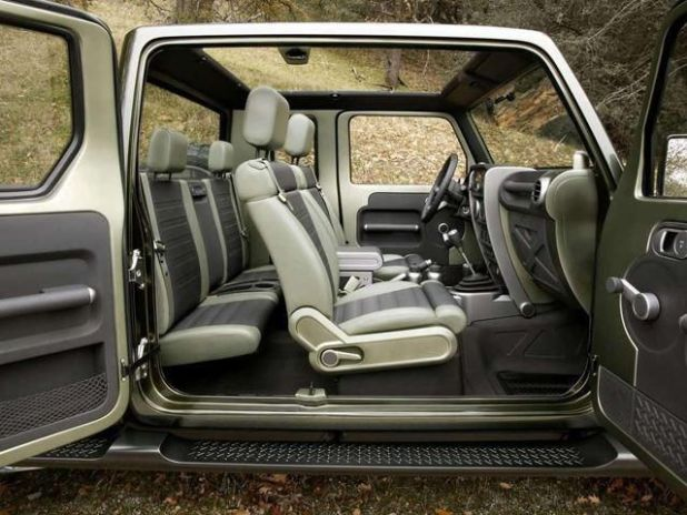 2019 Jeep Wrangler Pickup Truck interior