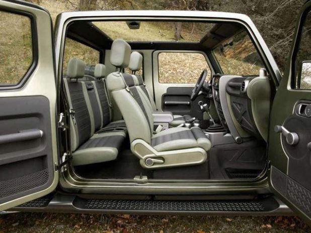 2019 Jeep Wrangler Pickup Truck interior