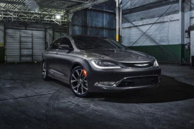 2019 Chrysler 200 front