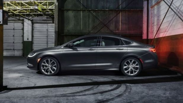 2019 Chrysler 200 side
