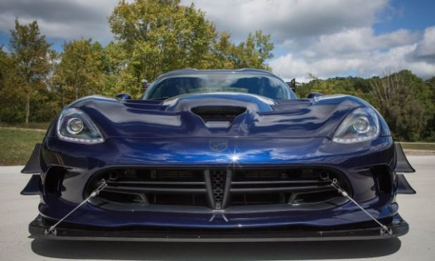 2019 Dodge Viper ACR front