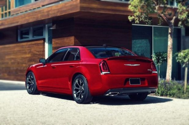 2019 Chrysler 300 SRT8 rear