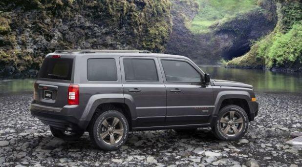 2020 Jeep Patriot side
