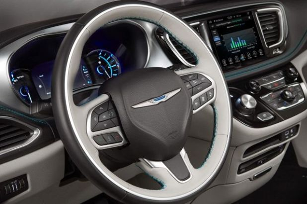 2020 Chrysler Pacifica Hybrid Interior