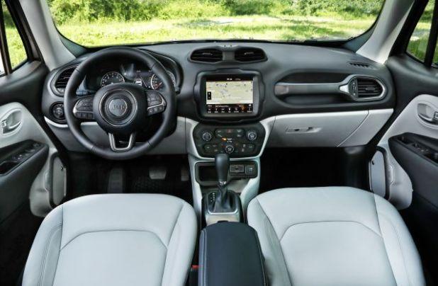 2020 Jeep Renegade Hybrid interior2020 Jeep Renegade Hybrid interior