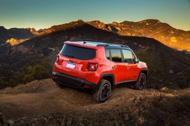 2020 Jeep Renegade Trailhawk rear