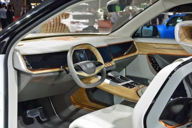 2020 Jeep Yuntu interior