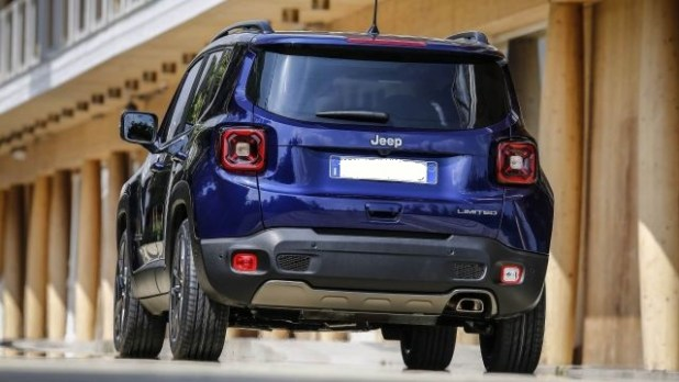 2021 Jeep Renegade rear