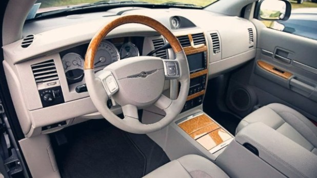 2021 Chrysler Aspen interior