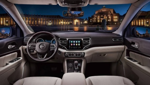 2021 Jeep Commander interior
