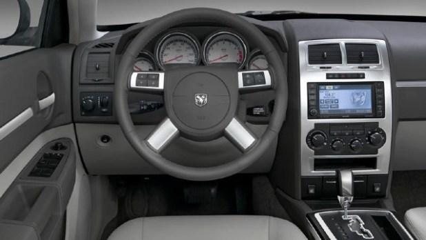 2022 Dodge Magnum interior