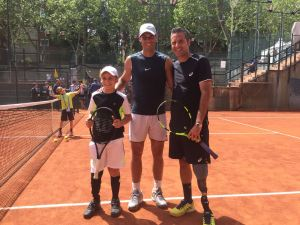 During Roland Garros Tournament in 2018 Rafael Nadal met Ivan Corretja and Marc Krajekian. Rafa supports adaptive tennis and took some time to hit with both players.