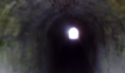 A picture of a confined tunnel