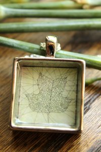 leaf illustration in necklace