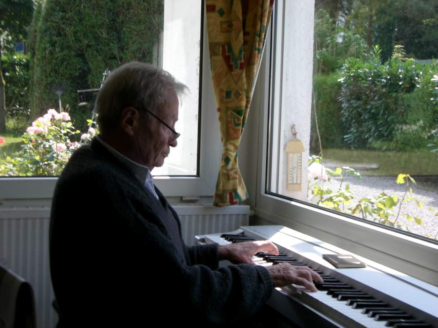 Papa au piano août 2007