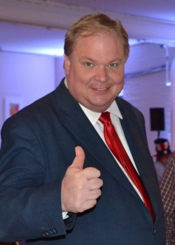andy jorgensen thumbs up