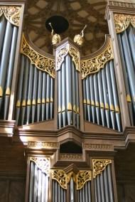 Organ case.