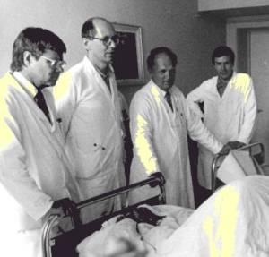 RoundsWithStevenEconomouMDRushPresbyterianStLukesHospital1971
